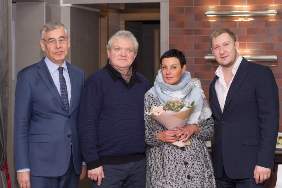 ДЕНИС ШИЛКИН С КЛИЕНТАМИ